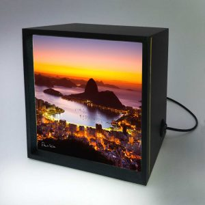 Backlight – Amanhecer no Rio de Janeiro com Pão de Açúcar
