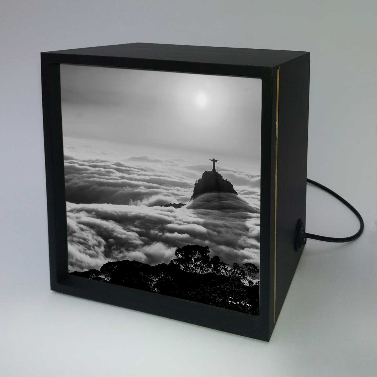 Backlight - Nascer do sol com nevueiro no Rio de Janeiro