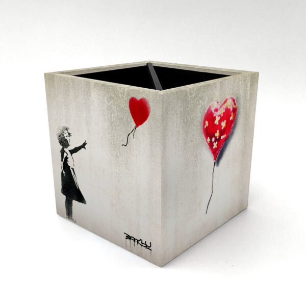 Porta Controle Banksy 1 3