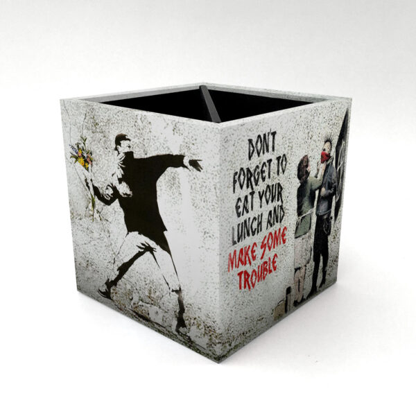 Porta Controle Banksy 2 3