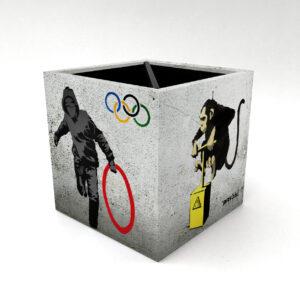 Porta Controle Banksy 2